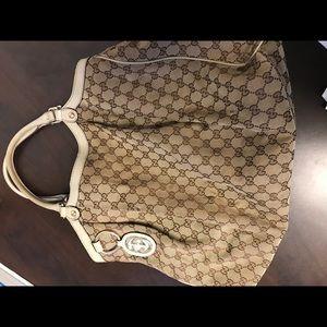 Gucci Sukey Large Hobo